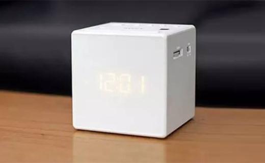 索尼ICFC1PJ闹钟收音机:闹钟与FM相结合,3D投影还防水