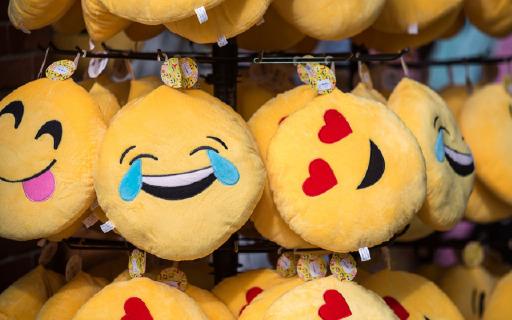 Emoji 新增 150 + 表情,红包算盘纷纷上榜