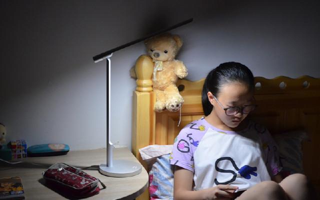 高颜值全铝夜读灯,摆在家中就是一件艺术品