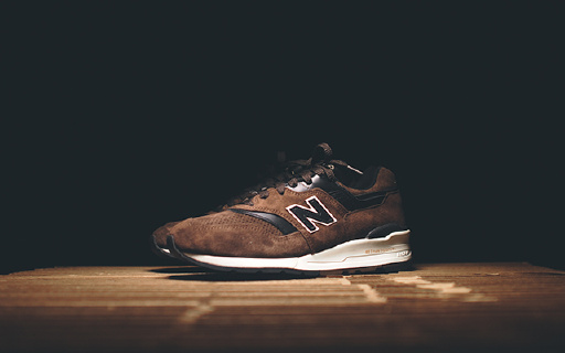 New Balance 997跑鞋:低调奢华经典款式,空气缓震穿着舒适
