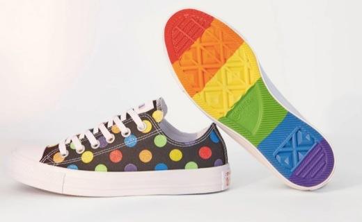 Miley Cyrus 与 Converse 推出全新 Pride 系列,夏日出街必备