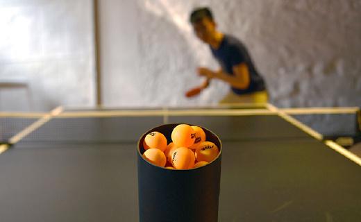 专业乒乓球陪练机器人,手残也能练成高手!