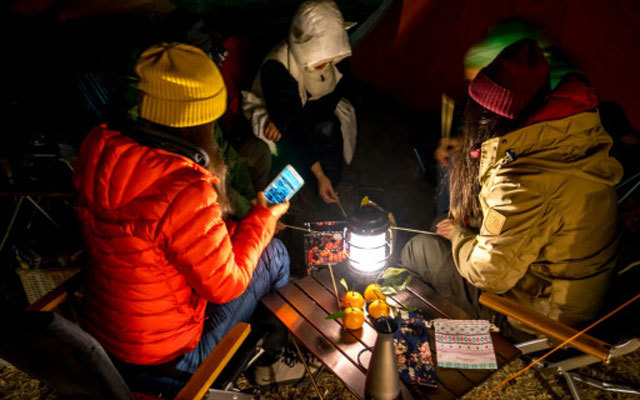 复古文艺设计,轻松调节户外露营气氛,BAREBONES森林提灯体验