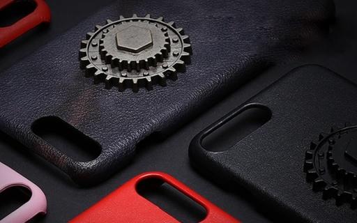 BABAMA机械齿轮7P手机壳:头层牛皮材质,背部齿轮可旋转
