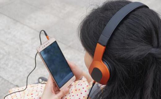 佩戴舒适 可插拔耳机线,KEF M400 HiFi头戴耳机评测