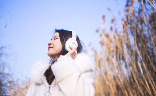 不止于降噪音,它还懂你,不可小觑的AI力量——JBL LIVE650BTNC降噪耳机