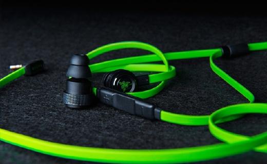 雷蛇战锤狂鲨V2耳机 :动态驱动单元音质出色,被动隔音沉浸感出色