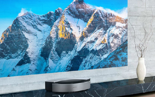 坚果超短焦投影电视,小房间也能看300吋大屏!