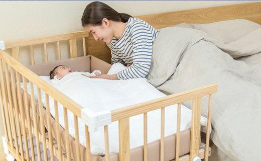 BSCR多功能婴儿床:圆润打磨无锐角,翻转可成小书桌