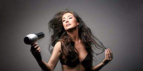 Valera金属大师电吹风:多重养护科技,发质越吹越柔韧