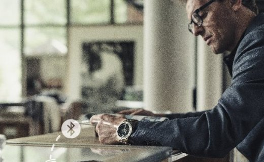 佳明Fenix 5智能手表:蓝宝石镜面,光电心率GPS精准定位