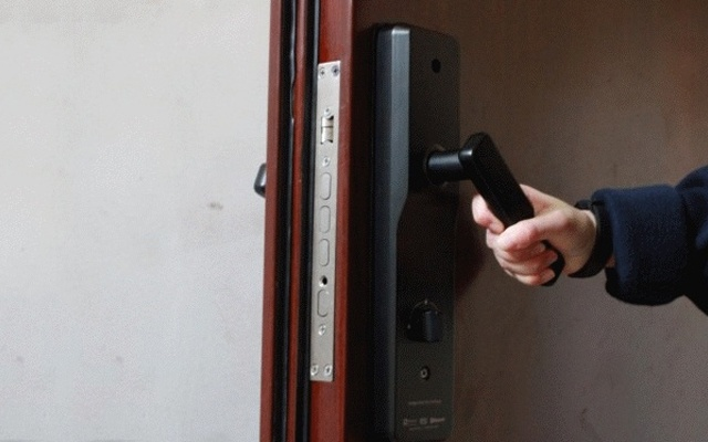 指纹识别开锁,微信管理还能给好友分享钥匙 — OLA X指纹锁深度体验