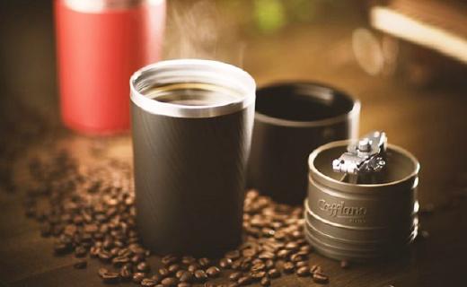 磨豆冲泡过滤一体便携咖啡机,出门也能喝手冲