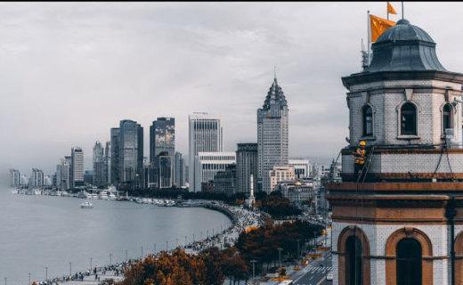 """在""""活历史""""的和平饭店里,看上海外滩是怎样一种体验?"""