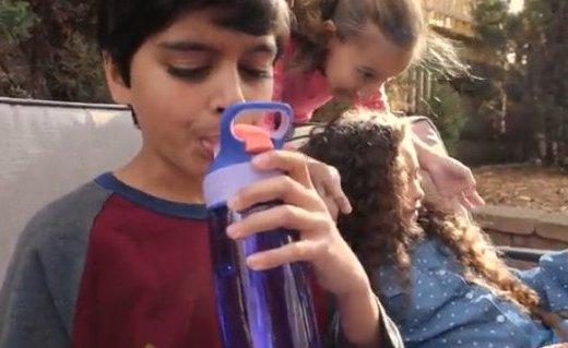 康迪克 AUTOSPOUT水杯 :FDA认证材质,一键式开启设计更方便