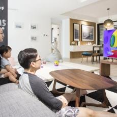 动动嘴就能操控,三星MU7700 4K超高清电视体验 | 视频