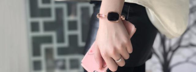 天然宝石与智能芯片完美结合,妹子专属饰品 — 心麦智能珠宝手链体验   视频