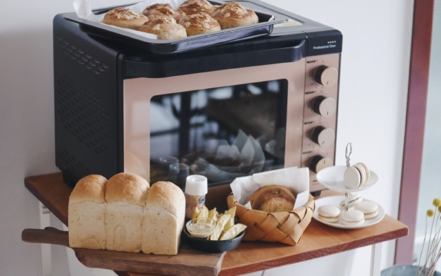 烘焙老司机教你选烤箱,分分钟烤出一个面包店 | 视频
