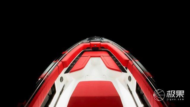"""奔驰推""""水上轿跑?#20445;?600马力水面时速142公里,座椅还能给屁屁降温?"""