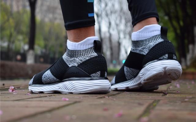 不到300块跑马拉松?这双袜子鞋堪比国际大牌 — 李宁云舞袜套减震跑鞋评测