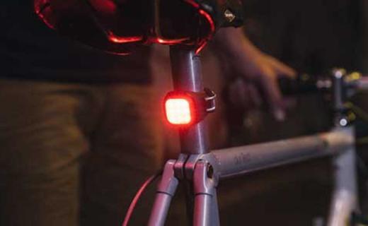 Knog Blinder骑行尾灯:120°照明800米外可见,支持USB直充