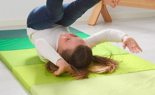 宜家普鲁希系列健身垫:折叠易设计收纳,泡沫填充舒适柔软