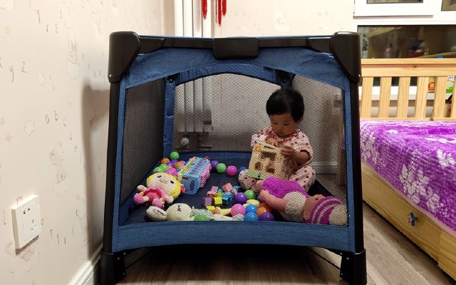 三個柚子多功能嬰兒床1秒收放,游戲睡眠二合一,讓你輕松帶娃