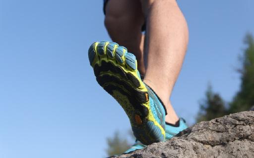 vibram五指鞋释放原始跑步脚感,大神都靠它练级