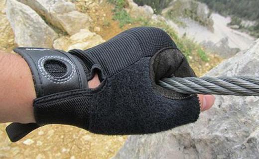 黑钻Crag Half-Finger攀登手套:高弹透气纤维,合成皮革?;な终?>                 <div class=