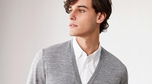 优衣库美利奴V领针织衫:羊毛材质温暖舒适,V领款式实穿百搭