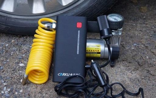 """10秒解決汽車熄火,這""""充電寶""""讓老司機都服 — 卡兒酷 汽車應急啟動電源評測   視頻"""