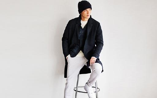 优衣库173003羊毛混纺大衣:经典三扣+西装领口,大方提气质