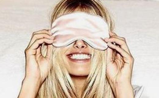 Slip真丝遮光眼罩:奢华美容亲肤,质地丝滑又透气