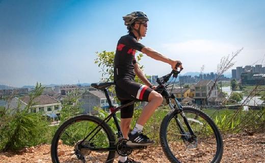 轻巧强韧的高颜值智能单车,骑它上路回头率飙升