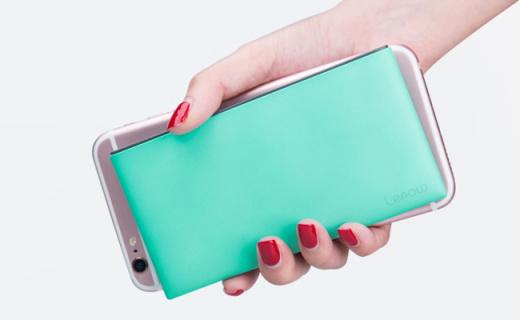 乐泡充电宝:智能电路安全耐充,纤薄机身流畅手感