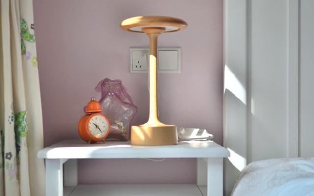 """会发光的""""小蘑菇"""",原木外观,让我一眼爱上 — 本来设计原木触摸蘑菇灯体验   视频"""