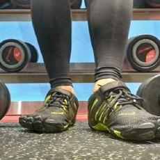 """这款""""五个趾头""""的鞋,让我跑步时放飞了自我 — Vibram健身训练跑步五趾鞋评测"""