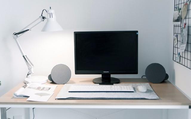 这无线蓝牙音箱让你在办公桌上也能享受极致音质