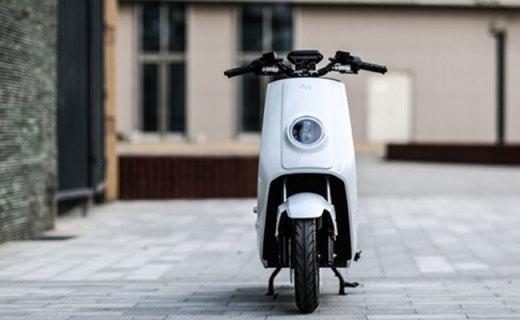 小牛N1S智能电动车:博世电机120km续航,智能防丢颜值突破天际