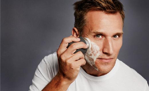 专为男士设计的洗脸刷,比手洗干净六倍!