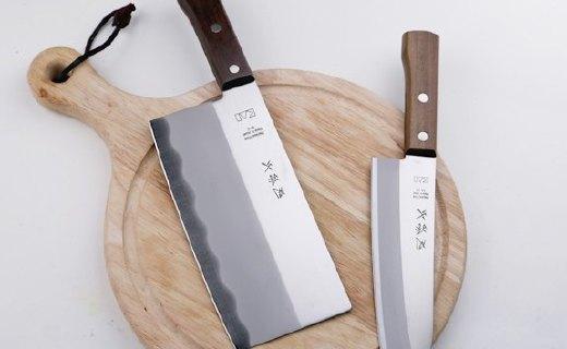 貝印三德刀:不銹鋼刀鋒天然木刀柄,精制工藝鋒利耐用