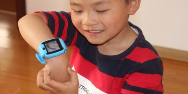 能发视频的糖猫电话手表,新奇好玩孩子超喜欢
