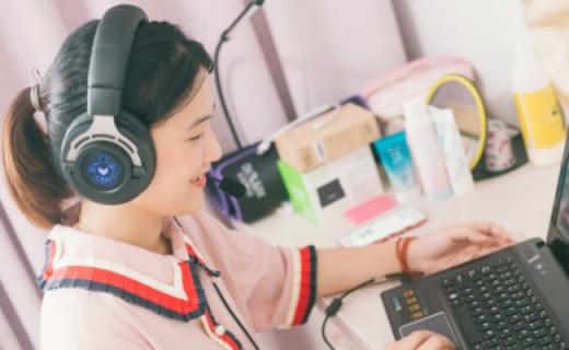 魔幻音效让你一键变音,雷柏VH300游戏耳机体验