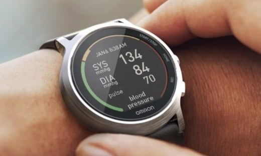 欧姆龙发智能手表,监测睡眠预防中风