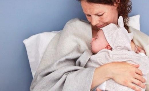 能模拟妈妈心跳的婴儿毯,让宝宝睡觉更安心