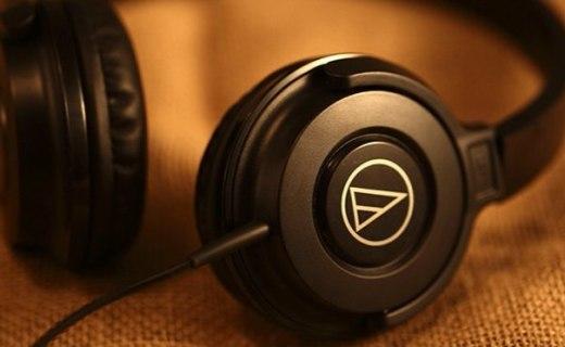 铁三角头戴式耳机:封闭式隔音性能出众,大单元强劲低音