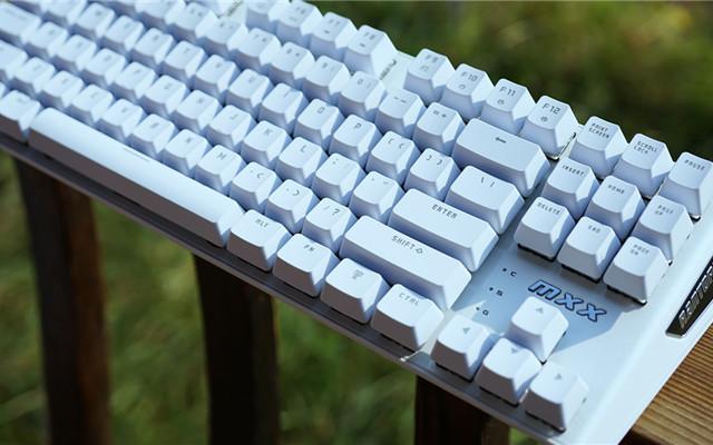视觉与手感的双重享受 — 镭拓MXX游戏机械键盘评测