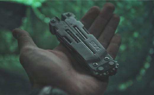 像折刀一样的多功能组合钳,随身控们用它玩起了单手快开
