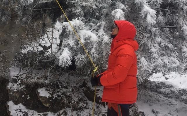 -20℃极限攀冰,土拨鼠鹅绒服为温暖保驾护航 — 土拨鼠防风加厚拒水鹅绒羽绒服评测