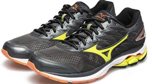 美津濃男子專業慢跑鞋:3D透氣網面鞋身,獨家科技支撐雙腳